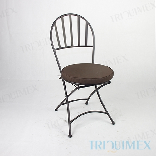 Wrought iron chair for outdoor patio and garden triquimex for Wrought iron cafe chairs