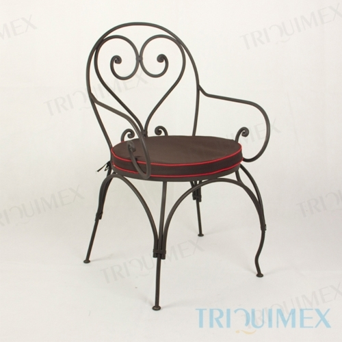 Wrought Iron Lawn Chair with Scroll Arms
