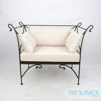 Coffee Sofa Made of Artistic Iron Frame and Cushion