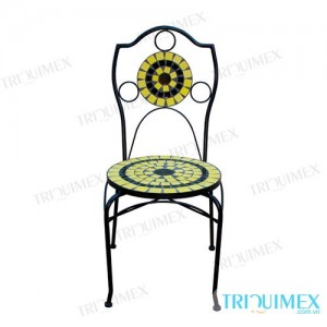Wrought iron dining chair with exquisite motifs